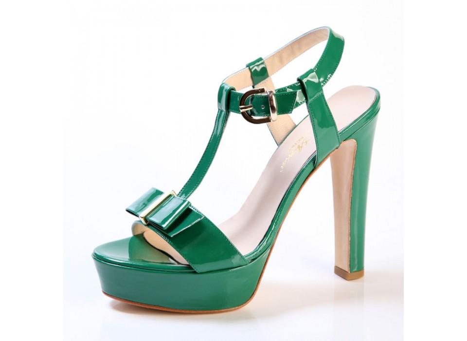 67dae2dd0aebe0 Scarpe donna Sandali tacco alto con plateau in vernice verde